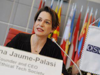 Diritto, etica e tecnologia: Lorena Jaume-Palasì per le Zukunftsfragen del Goethe-Institut